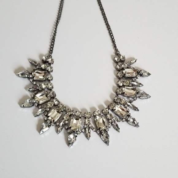 Jewelry - Bib Collar Necklace